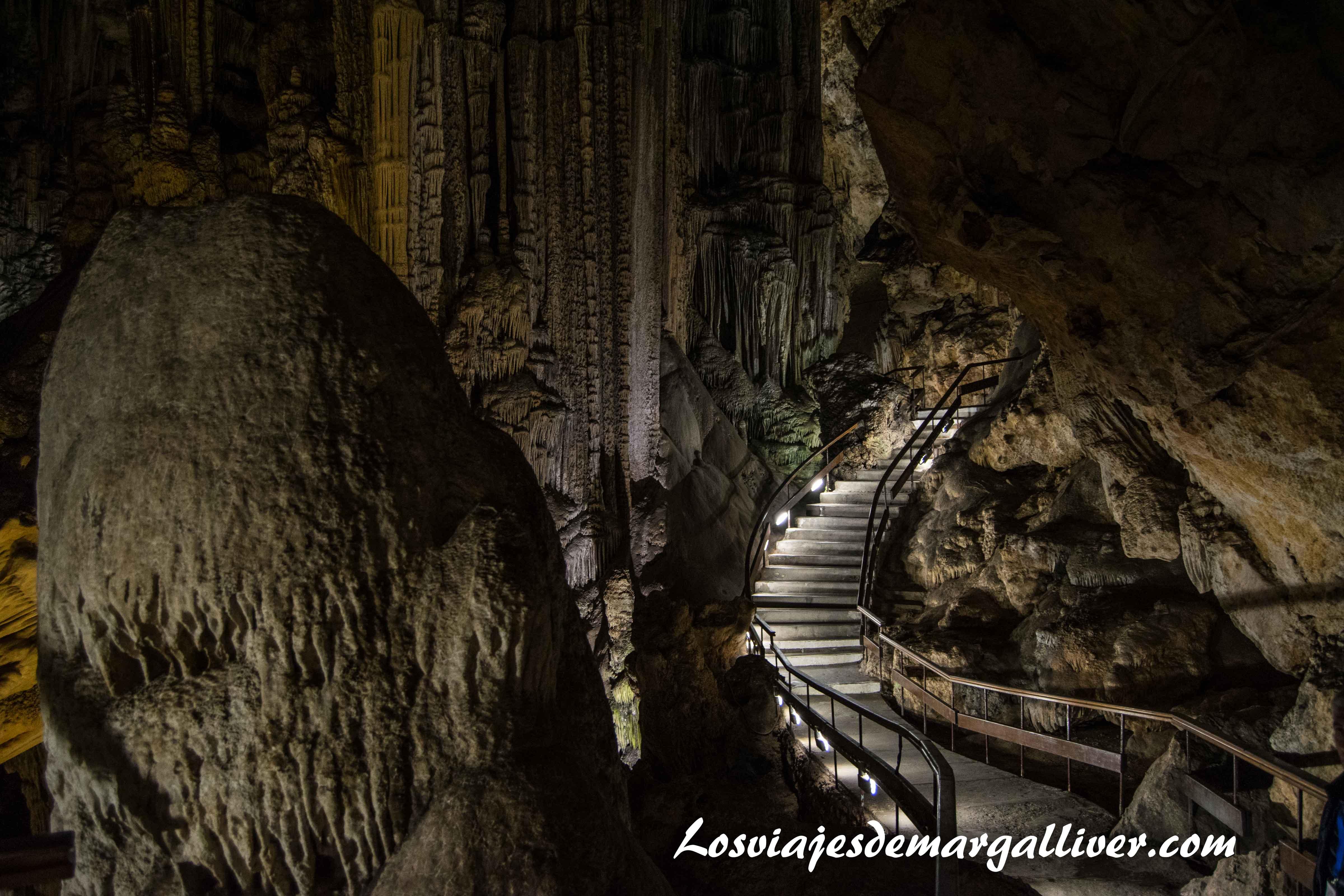 Interior de la Cueva de Nerja - Los viajes de Margalliver